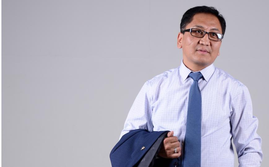 А.Эрдэнэбаяр:  Нам дамжсан улс төр, бизнесийн бүлэглэлээс салж  гэмээнэ  Монголын  төр сэргэнэ