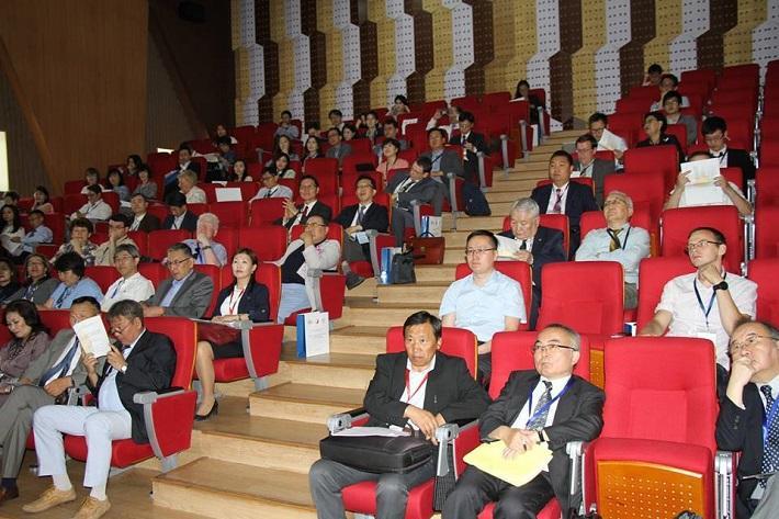 """Слав-Еврази судлалын олон улсын IX бага хурал """"Даяаршил ба өнөөгийн Еврази: Монголын оролцоо"""" сэдвийн дор эхэллээ"""