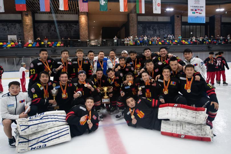 Монголын хоккейчид хоёр жил дараалж түрүүллээ