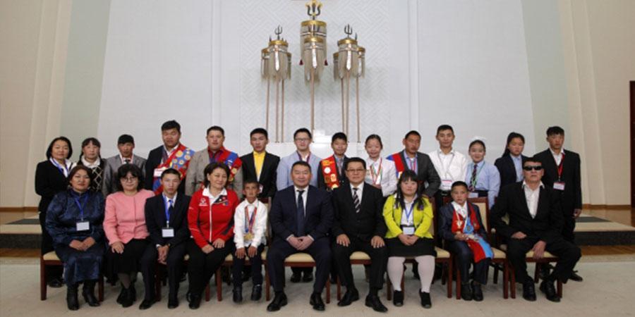 Х.Баттулга Монголын Тусгай олимпийн тамирчдын төлөөллийг хүлээн авч уулзлаа