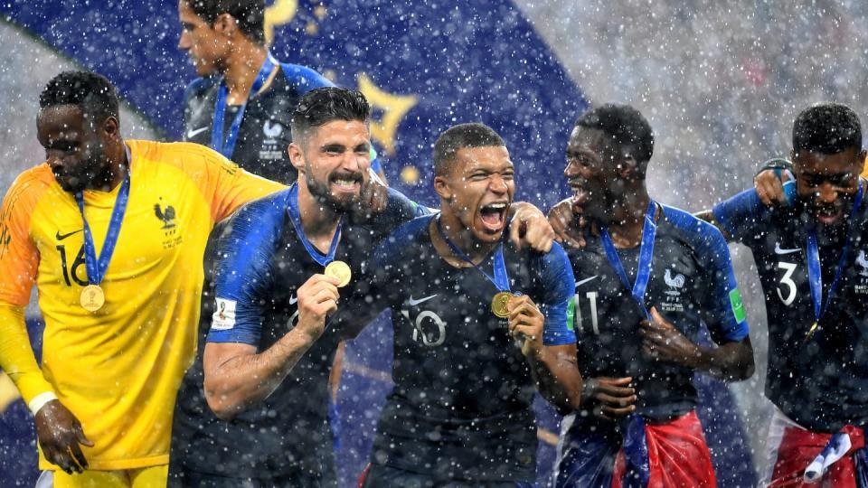 Франц 21 дэхь хөлбөмбөгийн ДАШТ-нд түрүүллээ