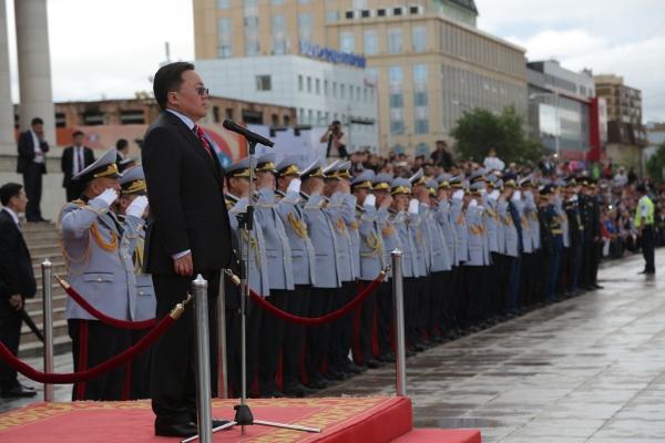 Ц.Элбэгдорж: Монгол Улс үүрд бадран хөгжиж, алтан соёмбот Төрийн далбаа эгнэгт мандах болтугай