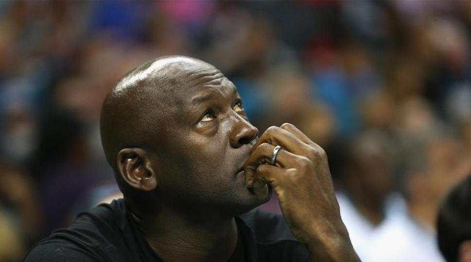 Майкл Жордан: Супер багуудын эрин үе, NBA-г сүйрэлд хүргэнэ