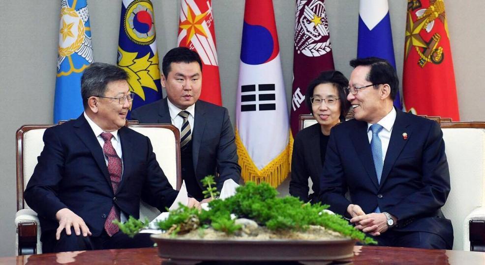 Н.Энхболд БНСУ-ын Батлан хамгаалахын сайд  Сун Ён Мүтэй уулзлаа