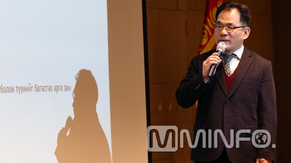 И Жэ Юү: Визийн шинэ журам энэ сарын 01-ээс мөрдөгдөж эхэлсэн