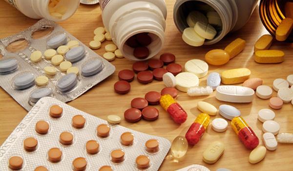 Зөвшөөрөлгүй эм импортлон оруулж ирсэн иргэн, аж ахуй нэгжид хариуцлага тооцлоо