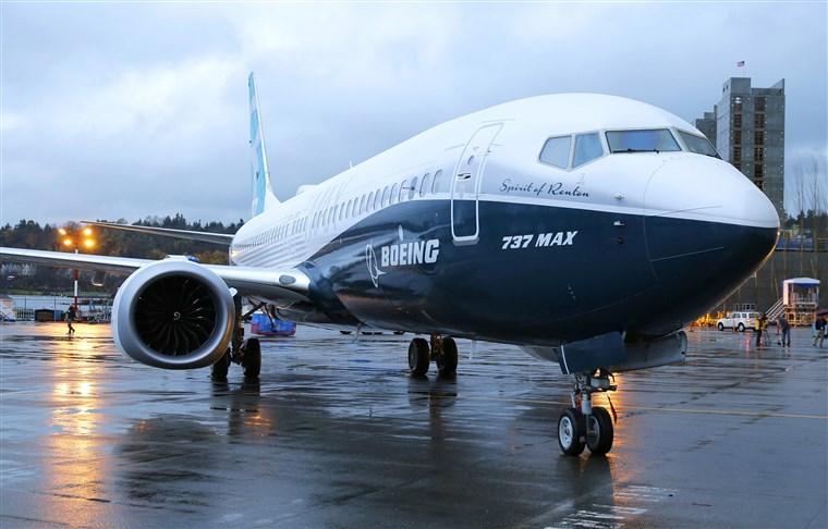 """Боинг корпорац тавдугаар сард """"737 max"""" загварын нисэх онгоцны үйлдвэрлэлээ сэргээхээр төлөвлөж байна"""