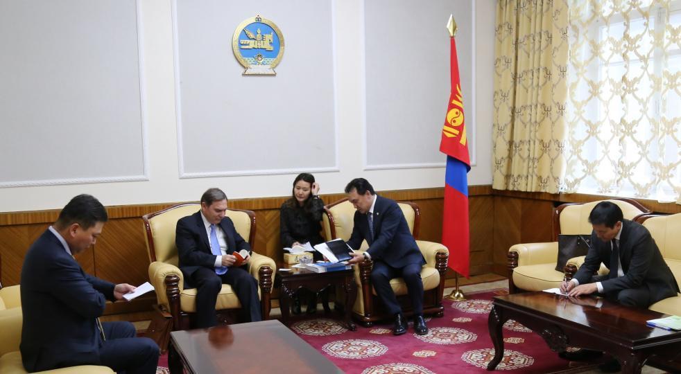 Хүлэмжийн аж ахуйн технологийг Монголд нутагшуулах саналтай байгаагаа илэрхийллээ