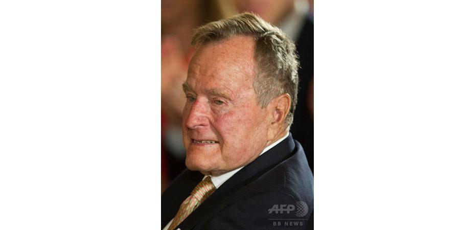 Эцэг Буш дахин эмнэлэгт хэвтжээ
