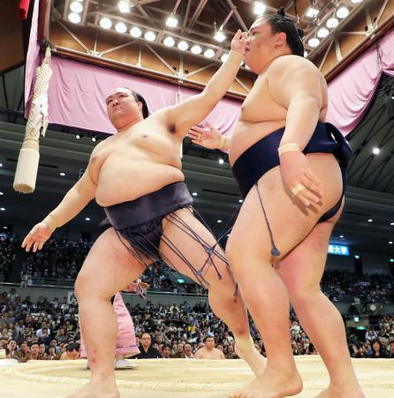 Кисеносато, Такаясү нар башёг тэргүүлж байна