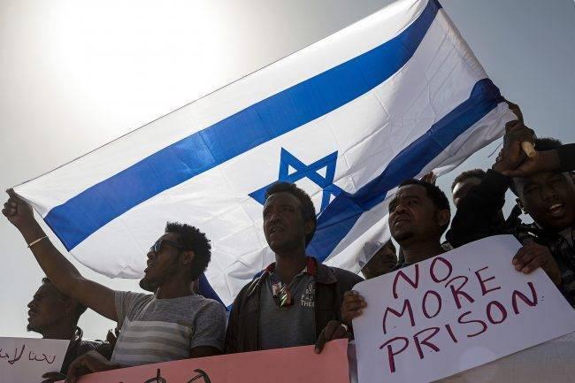 Израил Африкийн цагаачдыг Европ руу илгээнэ