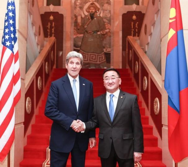 Монгол Улс дэлхийн олон оронд ардчиллын үлгэр жишээ болж буйг онцлов