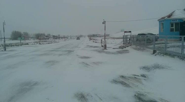 Зүүн аймгуудын нутгаар цас орж, шуурна