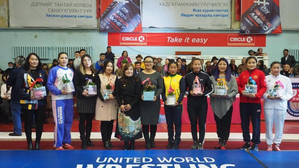 Дэлхийд данстай Монголын бахархалт бүсгүйчүүд