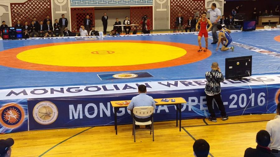 """""""Монголиа Опен"""" тэмцээн """"Буянт-Ухаа"""" спортын ордонд эхэллээ"""