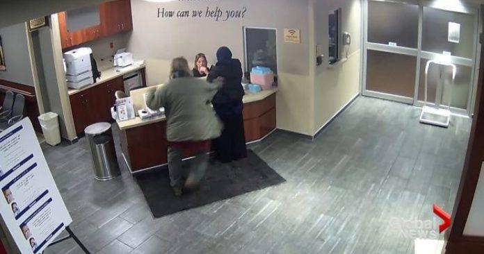 Лалын шашинт эмэгтэй Мичиганы эмнэлгийг шүүхэд өгчээ