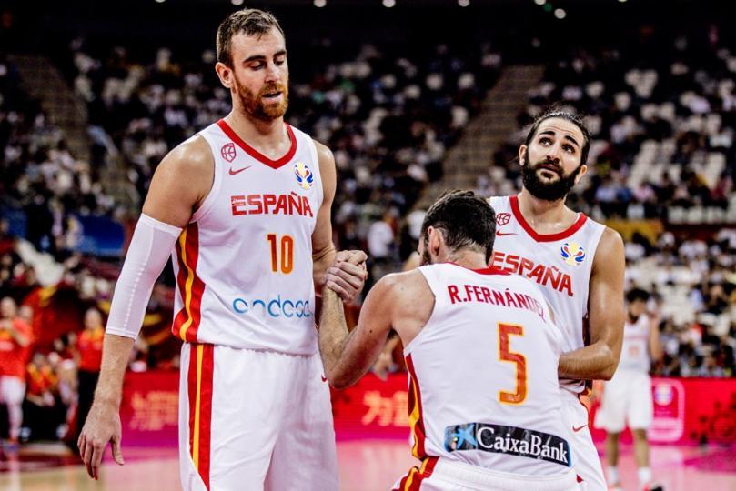 Испани болон Аргентины шигшээ шилдэг 4 үлдлээ
