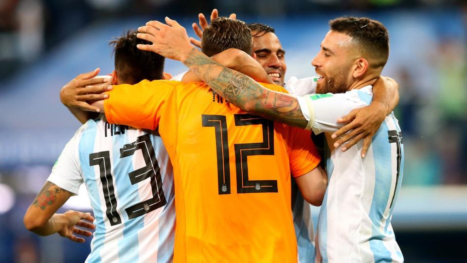 Аргентин D хэсгээс хоёроор гарлаа