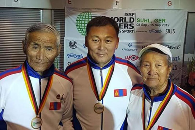 Мастеруудын Дэлхийн Аварга шалгаруулах тэмцээнээс 3 алтан медаль хүртлээ