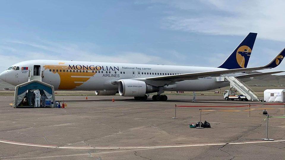 Сөүл-Улаанбаатар чиглэлийн эхний тусгай үүргийн транзит онгоц газардлаа