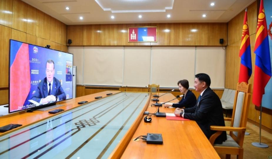 У.Хүрэлсүх, Дмитрий Медведев нар цахим уулзалт хийв