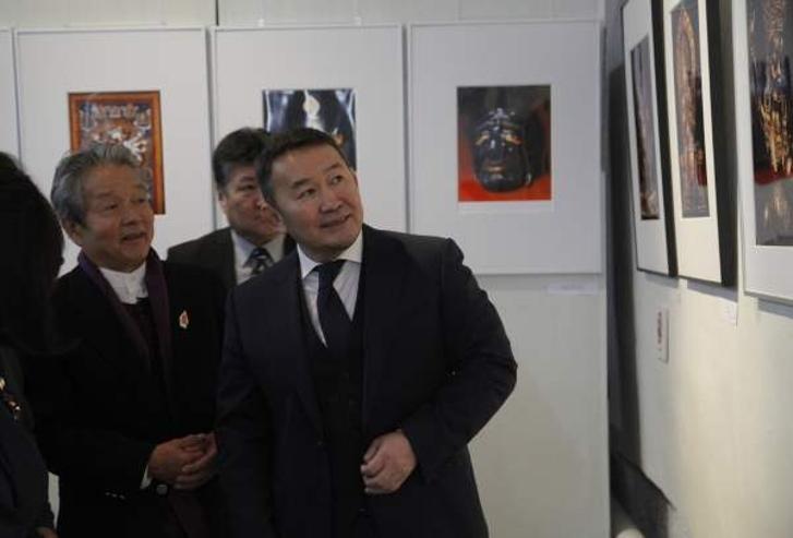 Ерөнхийлөгч японы гэрэл зурагчин сүгияама тэрүзогийн үзэсгэлэнг үзэж сонирхов