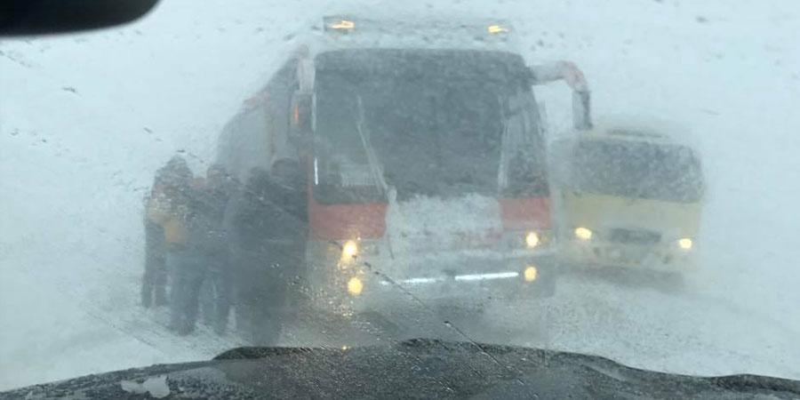 Дархан-Улаанбаатарын чиглэлийн замыг түр хаажээ