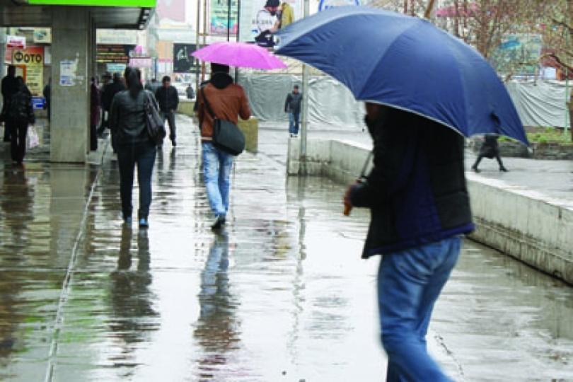 Өнөөдөр түр зуурын бороо орно