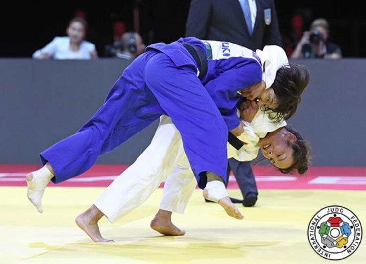 Д.Сумъяа дэлхийн аварга болж, Г.Одбаяр хүрэл медаль хүртжээ