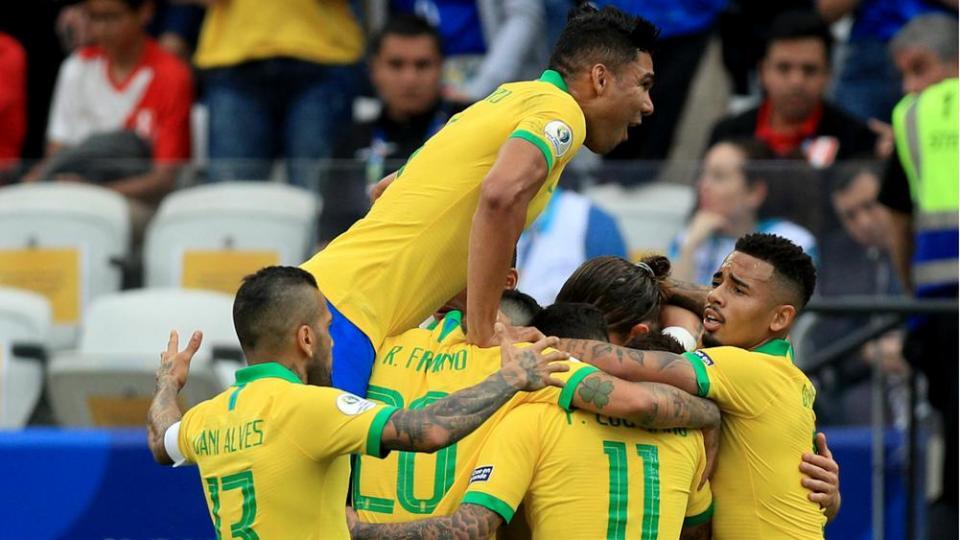 Аргентен, Бразил шөвгийн дөрөвт учраа таарлаа