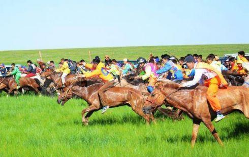 Тулгар төрийн 2228 их Монгол улсын 813, Ардын хувьсгалын 98 жилийн ойн баяр наадмын Хурдан морины уралдааны тойм