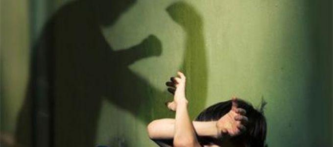 Дөрвөн жил төрсөн охиноо зодсон эцэгт тэнсэн харгалзах ял оноов