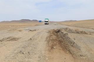 Улаанбаатар - Арвайхээр чиглэлийн 60 км авто замыг шинэчлэх ажил эхэллээ
