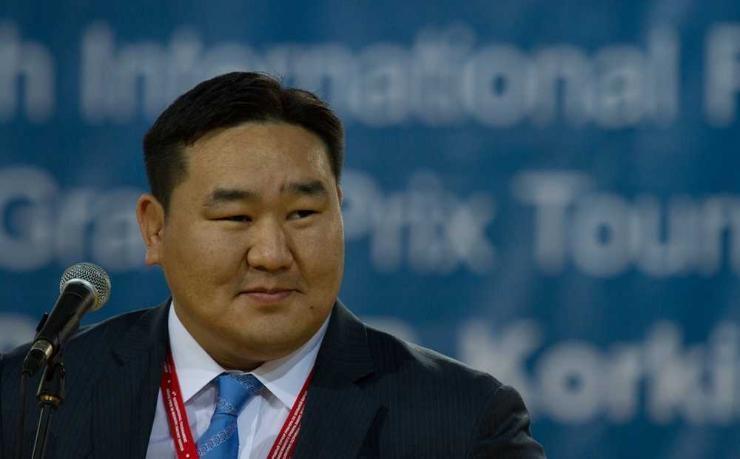 Асашёорюү Д.Дагвадорж: Хятад вакцинаа хийх нь дээр юм байна шүү