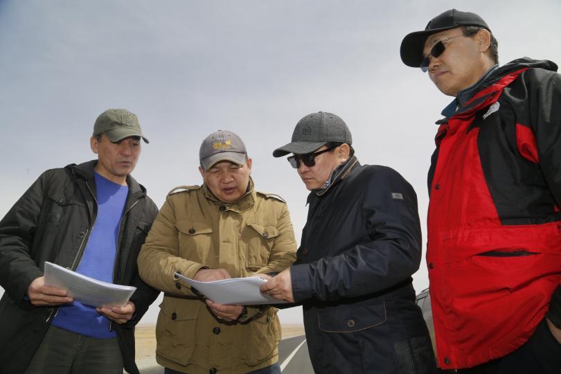ЗТХ-ийн сайд Б.Энх-Амгалан Байдрагийн гүүр-Алтай чиглэлийн авто замын ажилтай танилцлаа