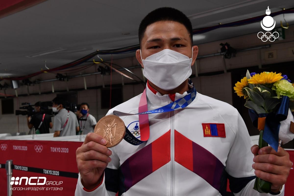 Ц.Цогтбаатар Монголын багийн хоёр дахь медалийг авч ирсэн торгон мөч