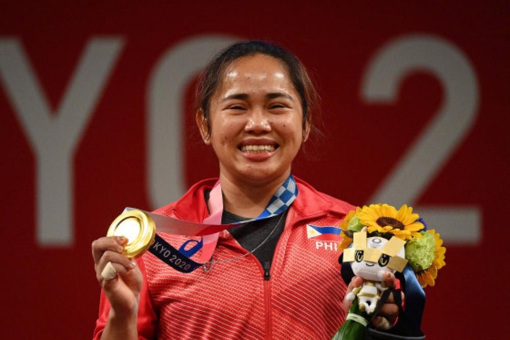 Филиппин улс олимпын наадмын анхны алтан медалиа авлаа