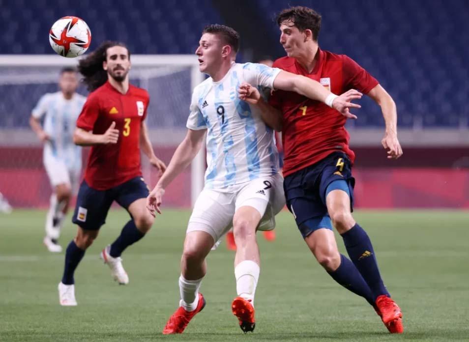 Аргентин болон Германы хөлбөмбөгчид шигшээ наймд шалгарч чадсангүй
