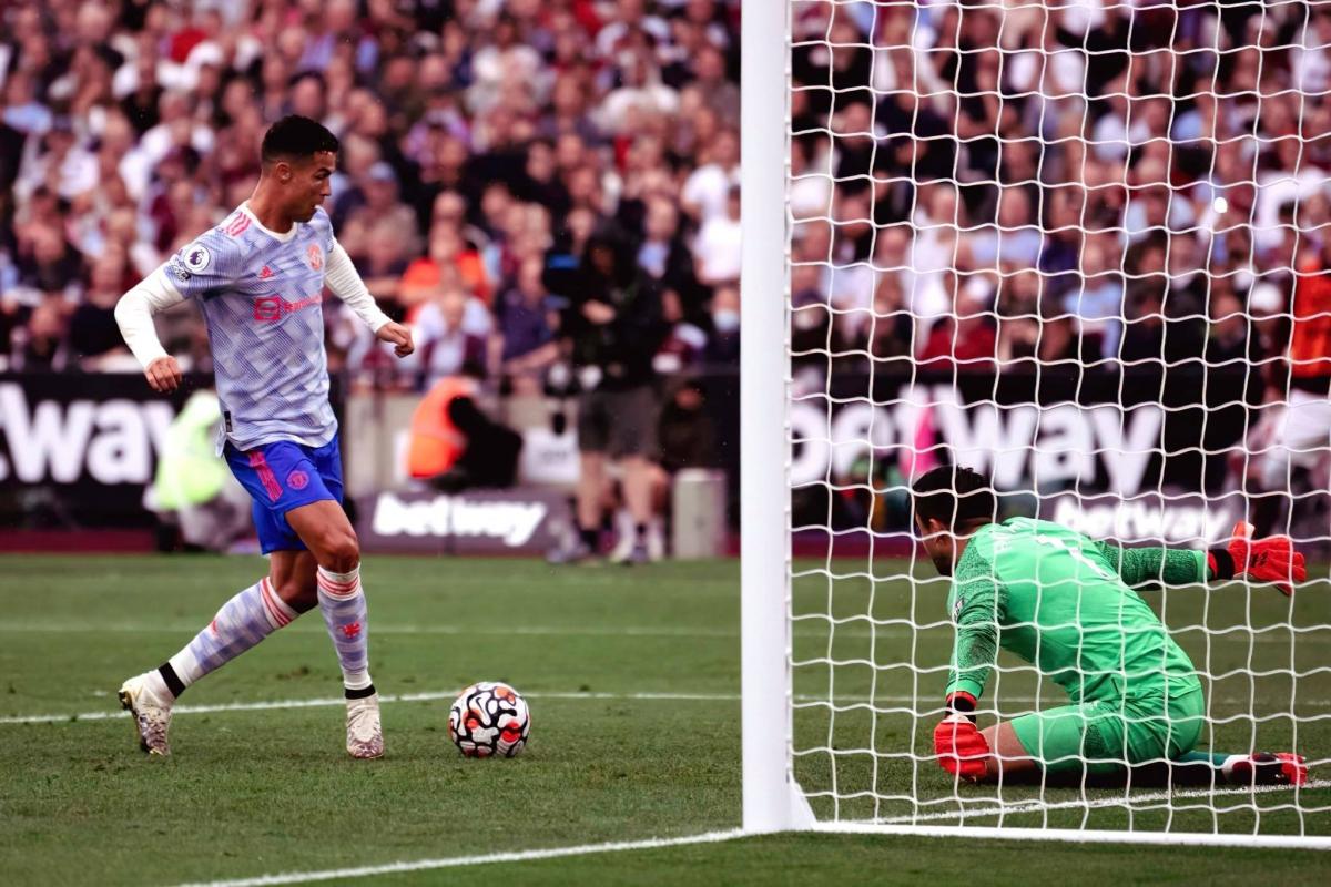 Роналду гоолдож Манчестер Юнайтед хожлоо