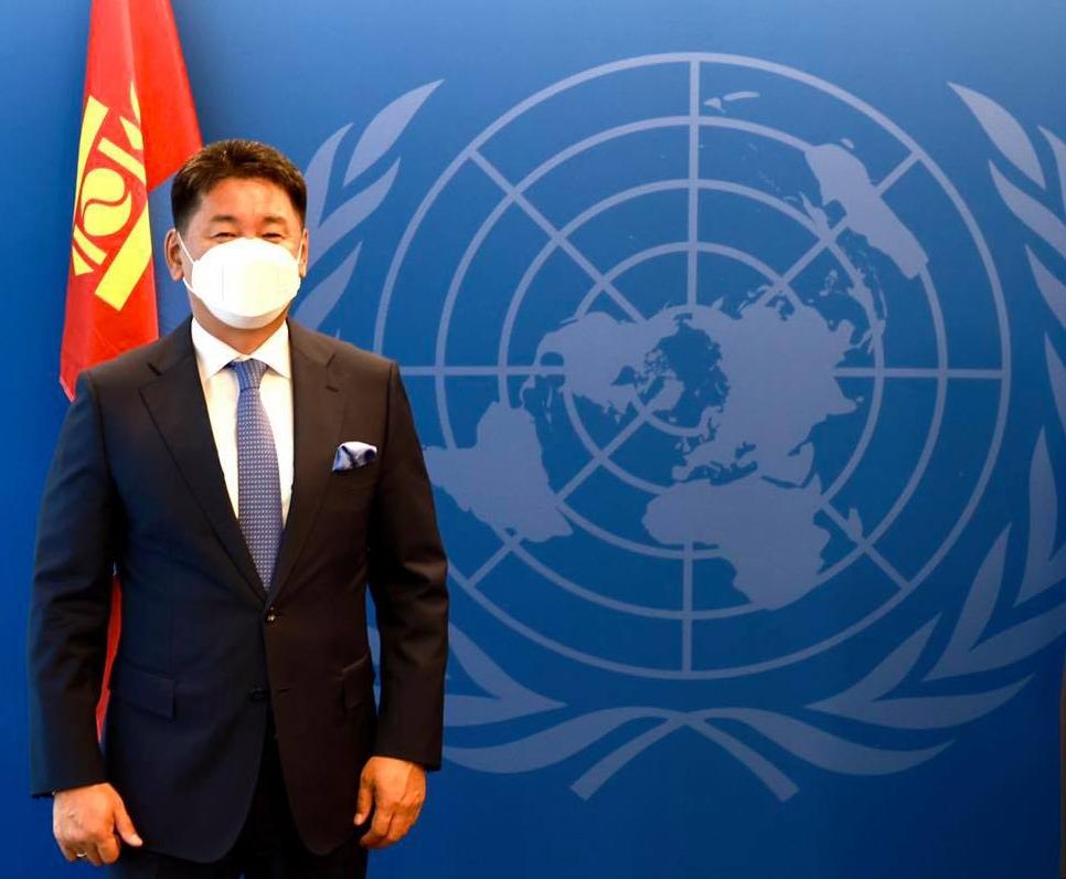 Ерөнхийлөгч У.Хүрэлсүх анхныхаа гадаад томилолтоор хоёр хөрш рүү бус НҮБ руу