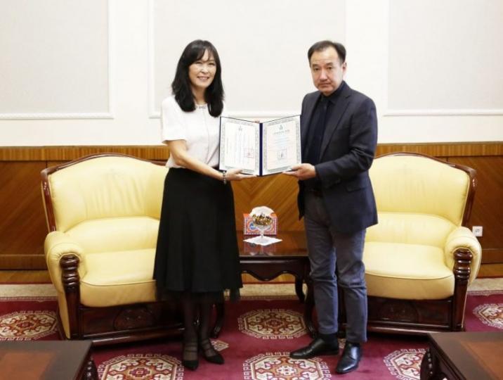 Төгөлдөр хуурч С.Саянцэцэгийг Монгол Улсын соёлын элчээр томиллоо