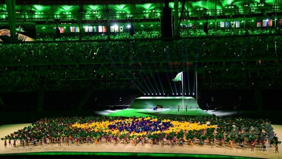 Паралимпийн нээлтийн агшнаас