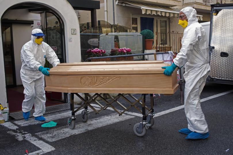 Коронавирусийн улмаас Итали улсад 475 хүн нэг өдрийн дотор нас баржээ