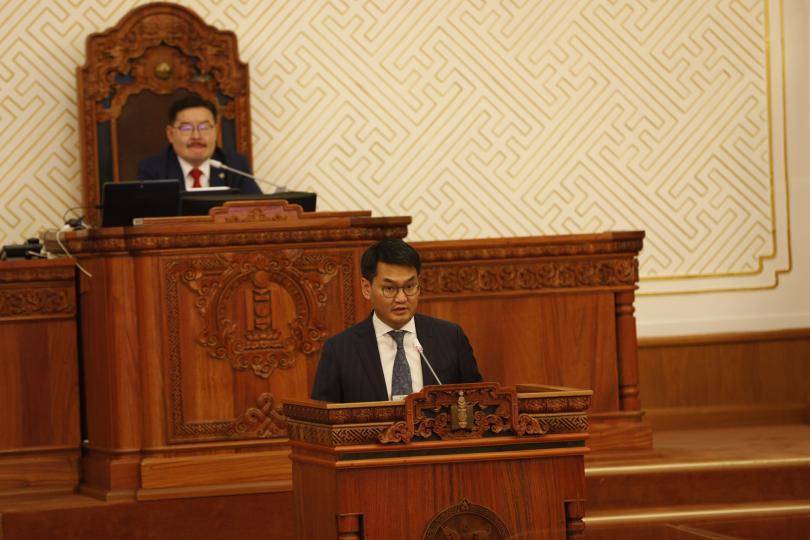 Л.Оюун-Эрдэнийг томилох тухай Монгол Улсын Ерөнхийлөгчийн саналыг танилцууллаа