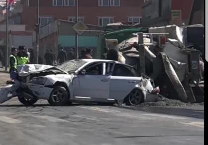Баянхошууны замд хэд хэдэн автомашин мөргөлдсөн ноцтой зам тээврийн осол гарчээ