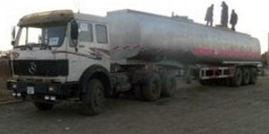 """""""Норд Бенз"""" машины чиргүүл унаж, их хэмжээний түлш хөрсөнд нэвчжээ"""