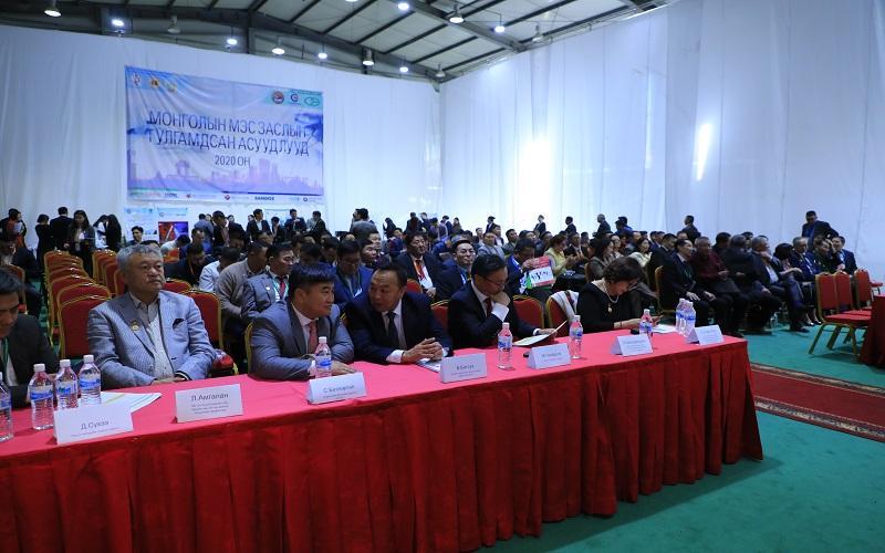 Монголын мэс засалч эмч нарын чуулга уулзалт Орхон аймагт болж байна