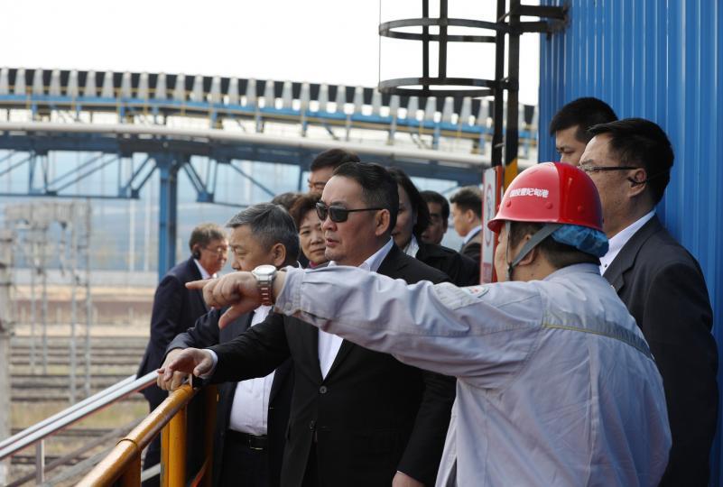 Ерөнхийлөгч Х.Баттулга Цаофэйдянь боомтын үйл ажиллагаатай танилцлаа