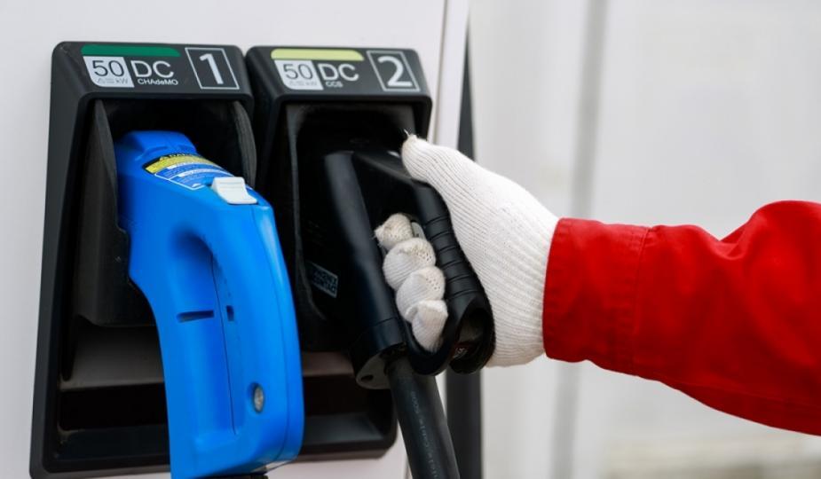 Нийслэлд А-92 авто бензиний дундаж үнэ 1360 төгрөг болж буурлаа