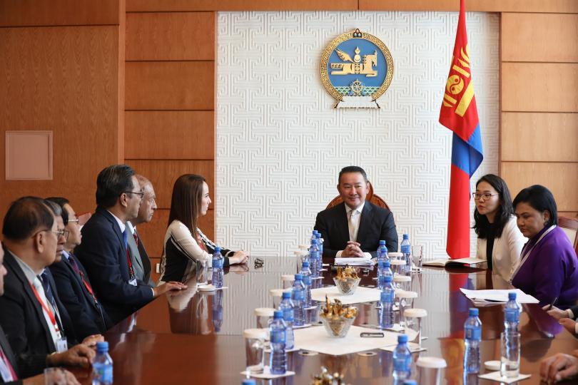 Ерөнхийлөгч Х.Баттулга ОУПХ-ны төлөөлөгчдийг хүлээн авч уулзав